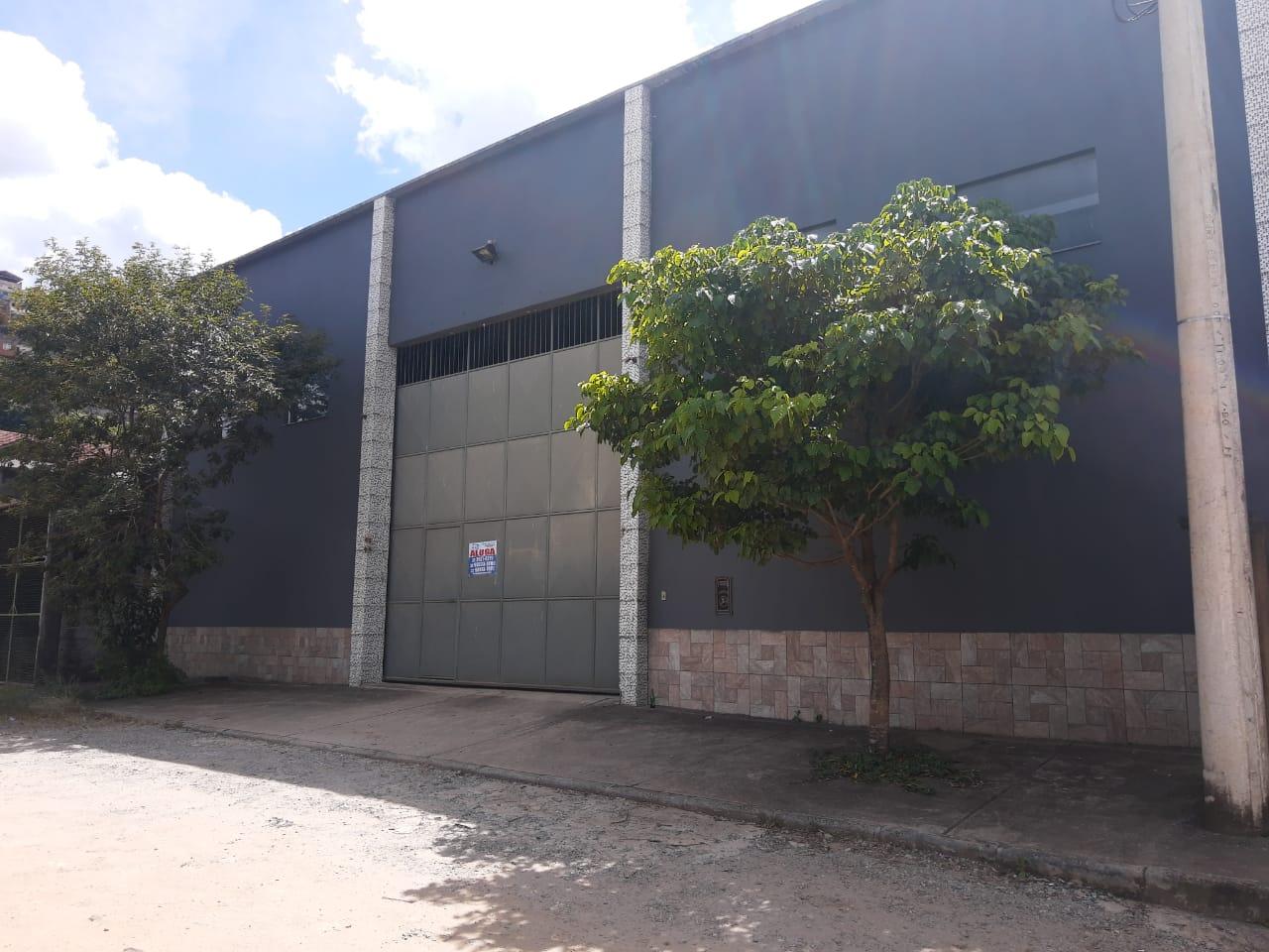 Galpão 950m²